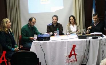 La Vicedecana de la FACSO participó en las Jornadas de Historia, Arte y Política