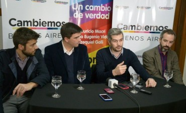 Marcos Peña estuvo de campaña en Olavarría
