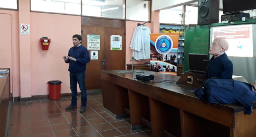 Capacitación de RCP  para  personal  de la escuela técnica N°2