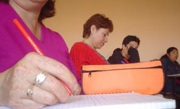 Convocan a terminar los estudios secundarios