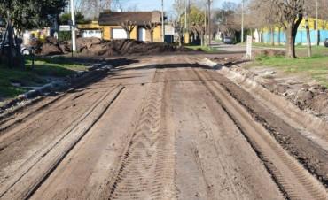 Barrio Tortorici: finalizó el cordón cuneta, ya se hace el mejorado y en los próximos días se licita el pavimento para la Av. San Martín