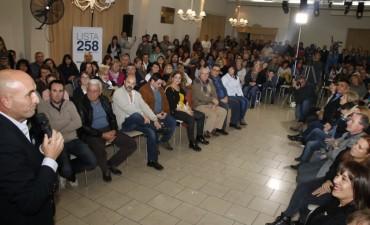 Ante un buen marco de público, el eseverrismo realizó un acto en Pueblo Nuevo