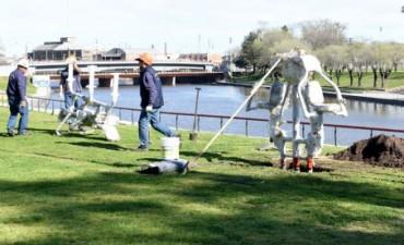 Comenzó la instalación de juegos saludables en el Parque Mitre