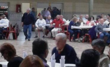 Mas de 400 personas en la Fiesta Entre Rimas y Bordonas