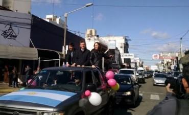 Mauricio Macri y María Eugenia Vidal recorren las calles céntricas