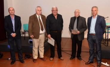 """En un emotivo acto se entregaron los reconocimientos """"Honor al mérito ciudadano""""."""