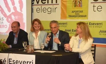 José Eseverri encabezó un encuentro con más de 150 mujeres en la Casa