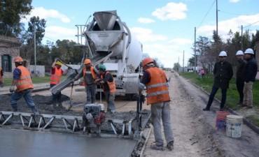 Iniciaron los trabajos de pavimentación en Colonia San Miguel