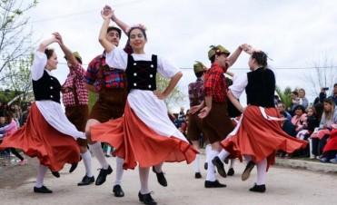 Colonia San Miguel celebra la 136° fiesta de la Kerb