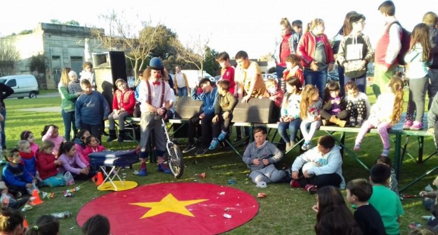Una fiesta para los más chiquitos en Hinojo