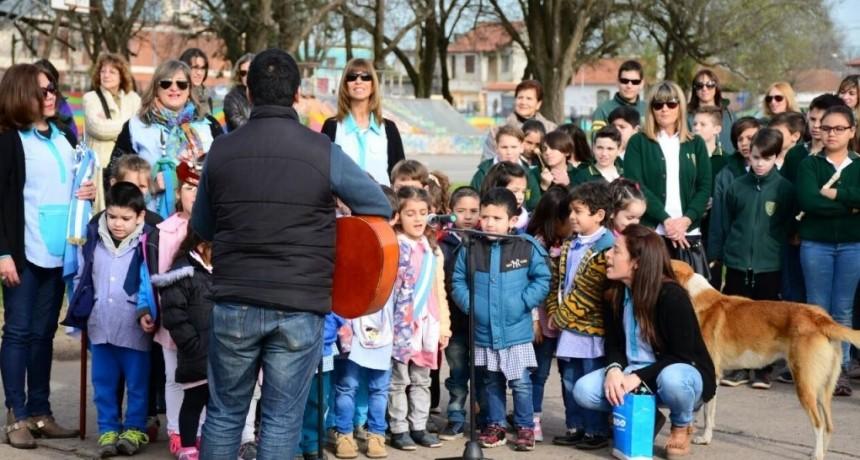 El acto por el Día del Maestro se realizará en Mapis