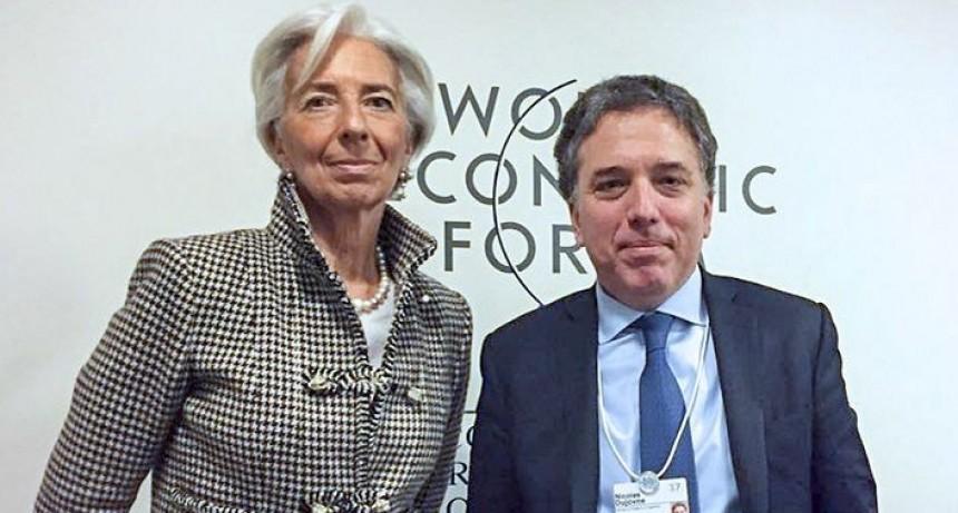 No estamos buscando dinero extra por fuera de la negociación con el FMI