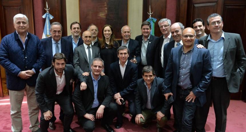 Vidal encabezó una reunión con intendentes Radicales