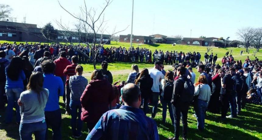 Universidad: Olavarría debate la toma del Campus