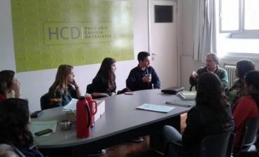La comisión de Salud del Estudiantil recibió a funcionarios del Departamento Ejecutivo