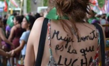 Mujeres de organizaciones sociales y políticas se preparan para el Encuentro de Rosario