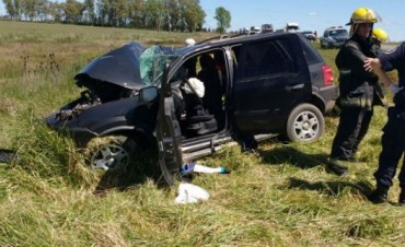 Impactante accidente en puente Querandies:un muerto y siete heridos