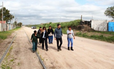 Candidatos de Cumplir recorrieron el barrio Tiro Federal