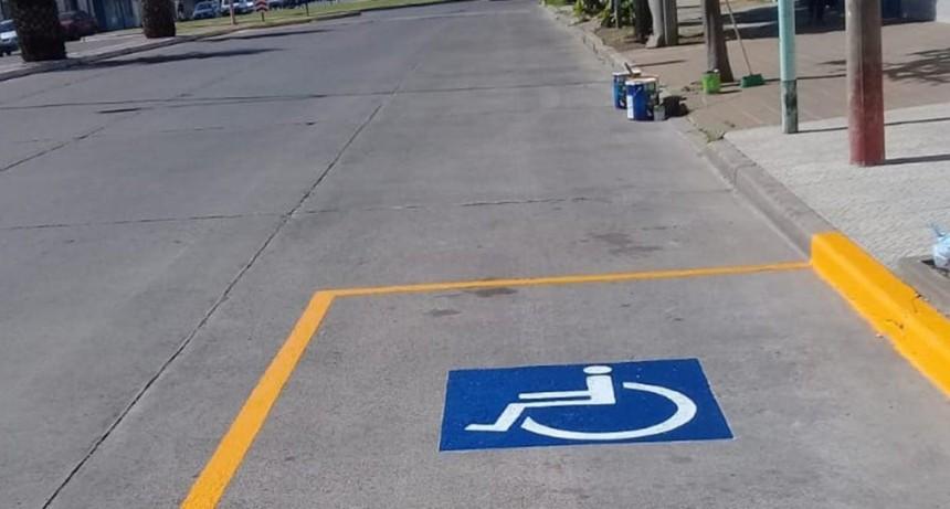 Reserva de espacio para el estacionamiento de vehículos de personas con movilidad reducida