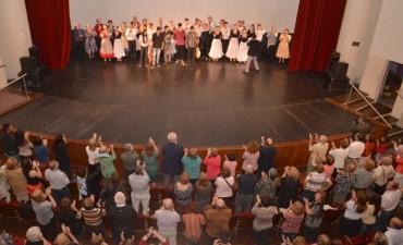 El Ballet Folklórico Municipal celebró sus 20 años de trayectoria