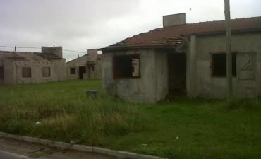 Barrio UOCRA: 39 viviendas paradas y deterioradas
