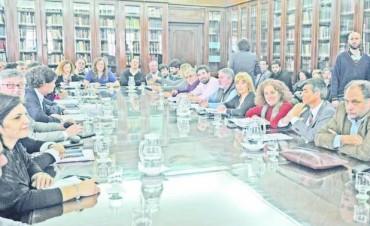 La Provincia aumenta un 15% las asignaciones familiares