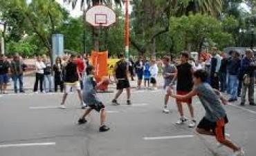 Basquetbol 3 x 3 callejero.