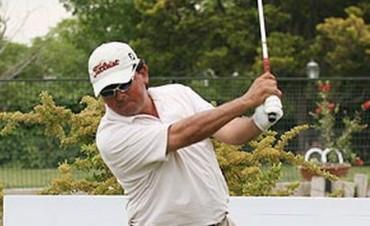 Mauricio Molina golfista de lujo en Olavarría