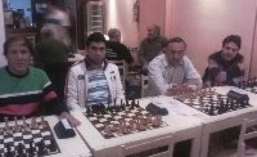 Olavarría empató el segundo puesto en un torneo por equipos.