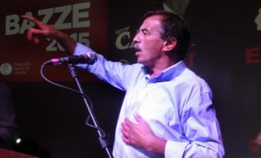 Bazze lanzó su candidatura a gobernador de la provincia