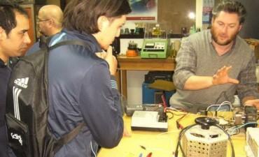 Ingeniería colabora con el aprendizaje de oficios