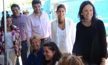 Juliana Awada y Carolina Stanley visitaron Olavarría