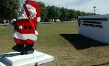 La Unidad Nº 38 y un Papá Noel Gigante para los buenos augurios