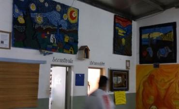 """Internos de la Unidad 38 representaron """"El Grito"""" con tapitas"""