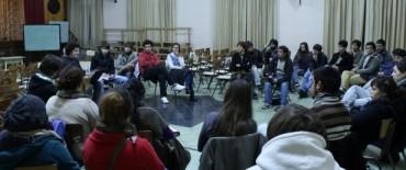 Estudiantes repudian los hechos en el concejo deliberante, piden la mejora del servicio y el no aumento del boleto