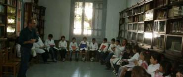 """La biblioteca """"Armando Collinet"""" tiene en marcha una campaña de socios"""