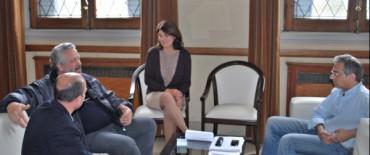 El Intendente Eseverri entregó un subsidio para construcción del SUM de la Capilla Virgen Niña