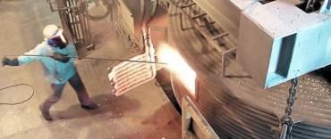 El INDEC reconoció una nueva caída en la actividad industrial