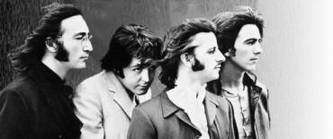 De colección: el mayor coleccionista de The Beatles dialogó con Radio Olavarría