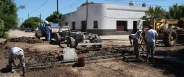 Azul:  avanzan los trabajos de pavimentación en diferentes puntos de la ciudad
