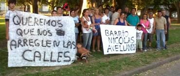 Vecinos de 12 Barrios se reunieron en el Parque Eva Perón.