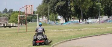 Azul: Mantenimiento de espacios públicos: Trabajos en toda la ciudad