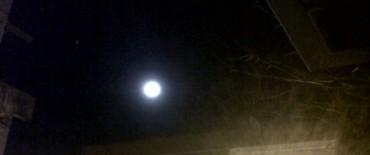 Luna  : a simple vista, más brillante
