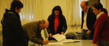 Se entregó una tenencia de terreno definitiva a vecinos de la localidad de Colonia Hinojo