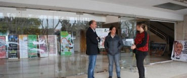 Eduardo Rodríguez y Margarita Arregui supervisaron la obra en el Teatro Municipal