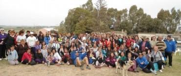 Un centenar de olavarrienses caminaron por Sierras Bayas