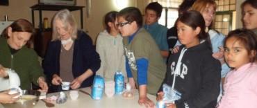 Alvear: alumnos del Centro Educativo Complementario 801 visitaron el Hogar de Ancianos