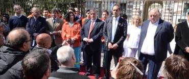 Scioli entregó ambulancias y equipos de hemodiálisis
