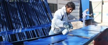 Se llevan construidos más de 250 carteles de señalética urbana en Azul