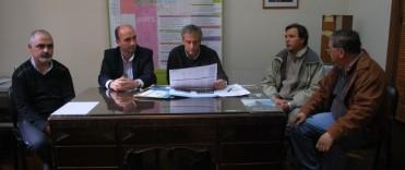 Eseverri encabezó la firma de convenio con el Foto Club y Molino Olavarría